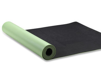 China Natural Rubber Folding Exercise Mat , Anti Fatigue Firm Grip Travel Pilates Mat supplier