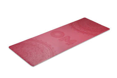 China Red PU Yoga Mat Square Shape Non Slippery Surface For Outdoor Picnics factory